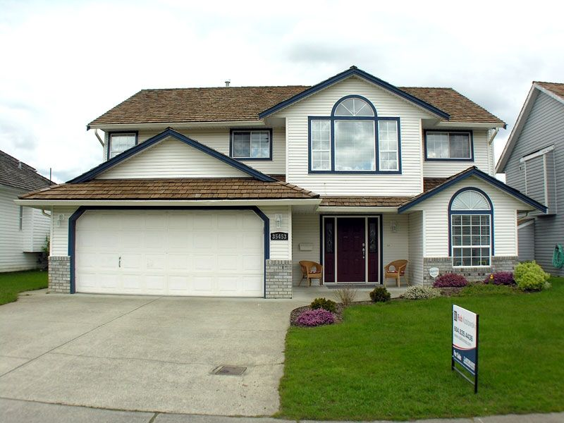 """Main Photo: 35453 LETHBRIDGE Drive in Abbotsford: Abbotsford East House for sale in """"Sandy Hill"""" : MLS®# F1110467"""