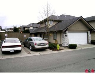 Photo 1: 95 8888 151ST Street in Surrey: Bear Creek Green Timbers Townhouse for sale : MLS®# F2903786