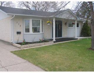 Photo 1: 115 PEMBRIDGE Bay in WINNIPEG: St Vital Residential for sale (South East Winnipeg)  : MLS®# 2918052