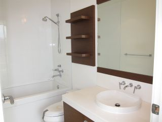 "Photo 16: 402 2528 MAPLE Street in Vancouver: Kitsilano Condo for sale in ""Pulse"" (Vancouver West)  : MLS®# R2397843"