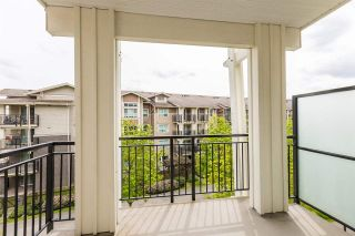 "Photo 3: 302 5788 SIDLEY Street in Burnaby: Metrotown Condo for sale in ""Macpherson Walk North (By Hungerford)"" (Burnaby South)  : MLS®# R2572546"