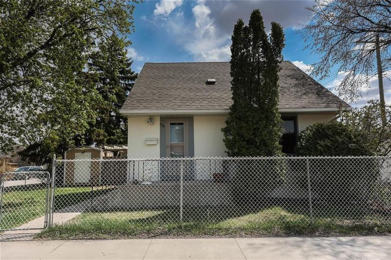 FEATURED LISTING: 654 Harbison Avenue East Winnipeg