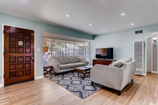 Photo 4: SAN DIEGO House for sale : 3 bedrooms : 3927 Loma Alta