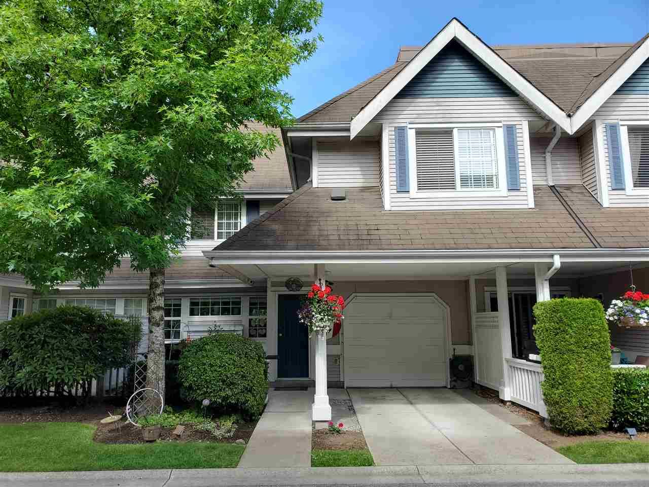"Main Photo: 25 11355 236 Street in Maple Ridge: Cottonwood MR Townhouse for sale in ""Robertson Ridge"" : MLS®# R2478366"