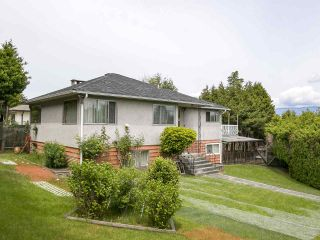 """Photo 2: 4285 MACDONALD Street in Vancouver: Arbutus House for sale in """"Arbutus"""" (Vancouver West)  : MLS®# R2551166"""