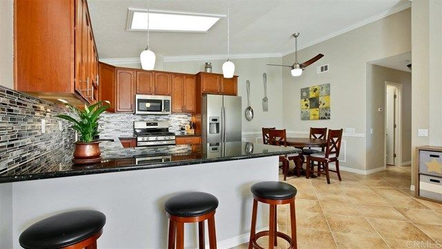Main Photo: House for sale : 2 bedrooms : 2425 Teaberry Glen in Escondido