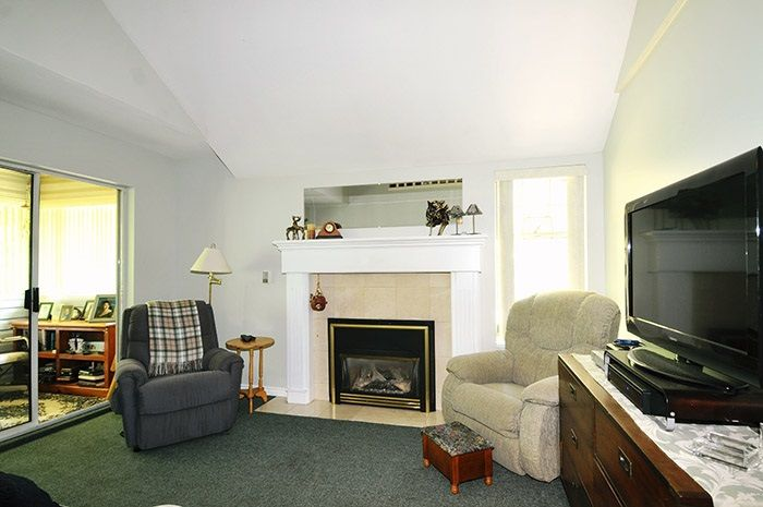 """Photo 2: Photos: 212 11578 225 Street in Maple Ridge: East Central Condo for sale in """"THE WILLOWS"""" : MLS®# R2104486"""