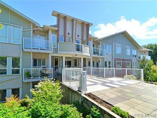 Photo 2: 204 3915 Carey Rd in VICTORIA: SW Tillicum Condo for sale (Saanich West)  : MLS®# 641721