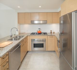 """Photo 8: 405 6018 IONA Drive in Vancouver: University VW Condo for sale in """"Argyll House West"""" (Vancouver West)  : MLS®# R2178903"""