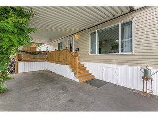 """Photo 4: 38 15875 20 Avenue in Surrey: King George Corridor Manufactured Home for sale in """"Sea Ridge Bays"""" (South Surrey White Rock)  : MLS®# R2616813"""