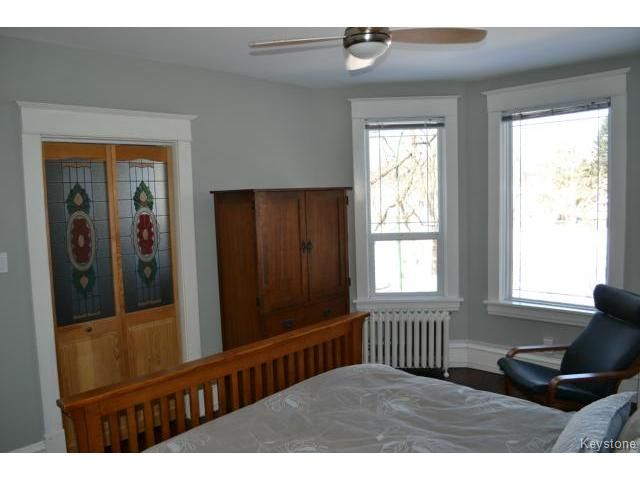 Photo 7: Photos: 1060 Grosvenor Avenue in WINNIPEG: Crescentwood Residential for sale (South Winnipeg)  : MLS®# 1403684