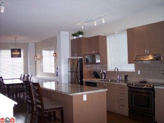 """Photo 3: 34 8385 DELSOM Way in Delta: Nordel Townhouse for sale in """"RADIANCE AT SUNSTONE"""" (N. Delta)  : MLS®# F1208174"""
