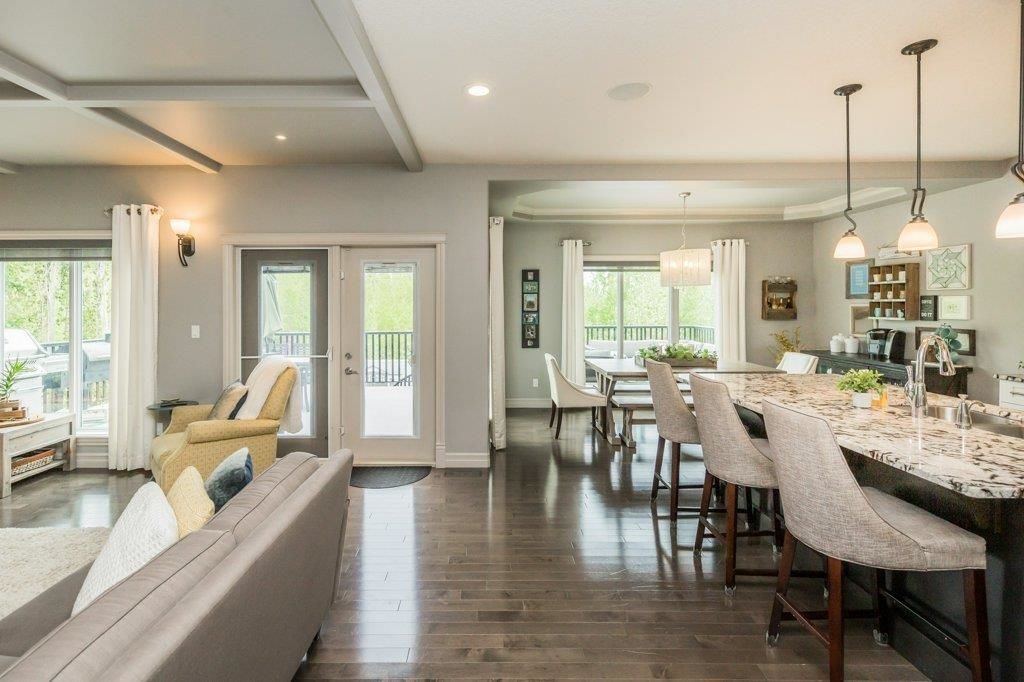 Main Photo: 1218 CHAHLEY Landing in Edmonton: Zone 20 House for sale : MLS®# E4247129