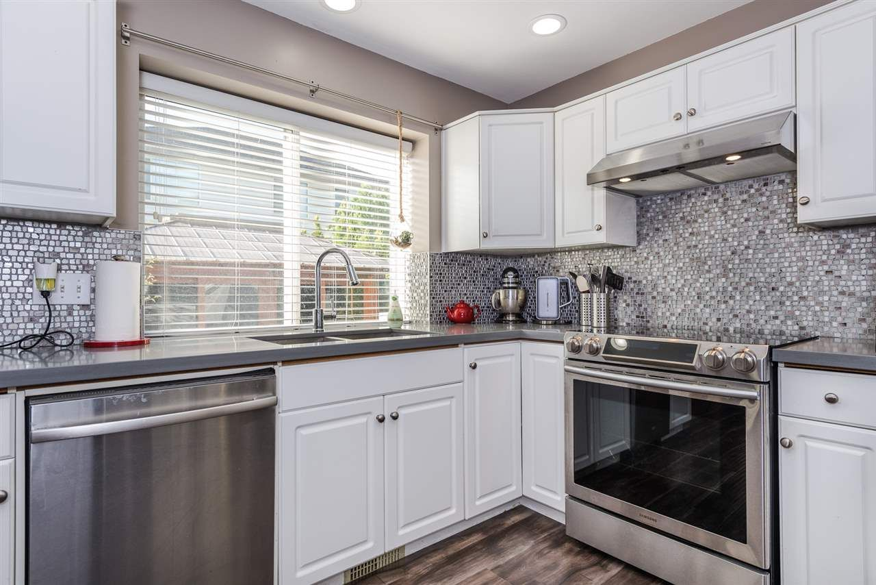 "Photo 6: Photos: 22231 CHALDECOTT Drive in Richmond: Hamilton RI House for sale in ""HMILTON"" : MLS®# R2217465"