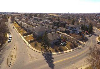 Photo 5: 808 10 Street NE in Calgary: Renfrew Detached for sale : MLS®# A1091434
