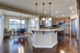 Photo 4: 452 Evergreen Circle SW in Calgary: Evergreen Detached for sale : MLS®# A1065396