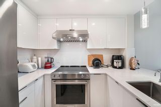 Photo 6: 202 555 JERVIS Street in Vancouver: Coal Harbour Condo for sale (Vancouver West)  : MLS®# R2625355
