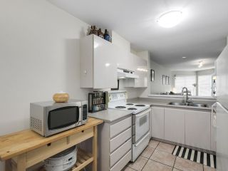 """Photo 8: 206 509 CARNARVON Street in New Westminster: Downtown NW Condo for sale in """"HILLSIDE PLACE"""" : MLS®# R2150025"""