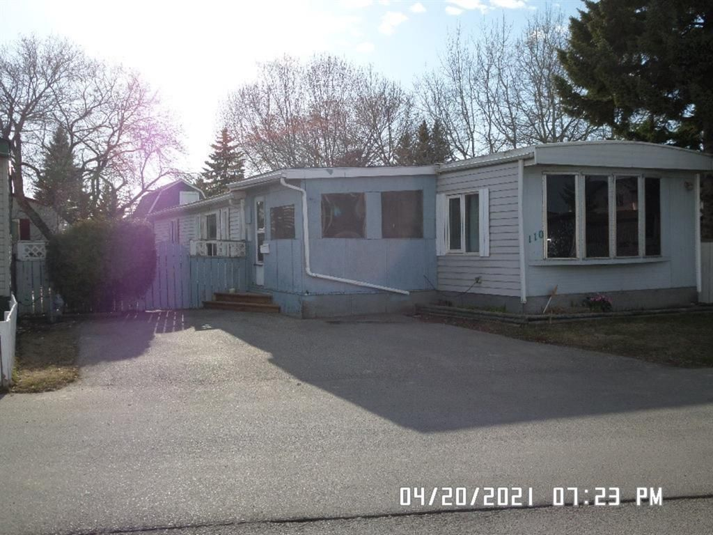 Main Photo: 110 6724 17 Avenue in Calgary: Red Carpet Mobile for sale : MLS®# A1098415