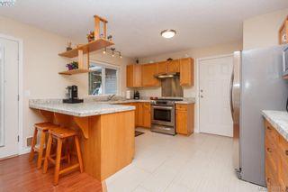 Photo 11: 2881 Young Pl in VICTORIA: La Glen Lake Half Duplex for sale (Langford)  : MLS®# 780150