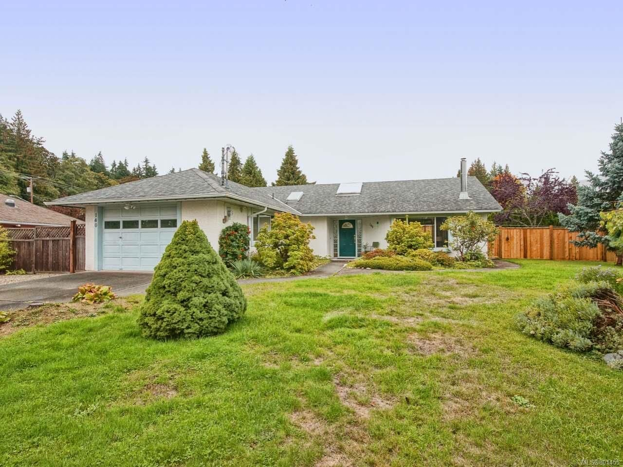 Main Photo: 140 E GARDEN E ROAD in QUALICUM BEACH: PQ Qualicum Beach House for sale (Parksville/Qualicum)  : MLS®# 801455