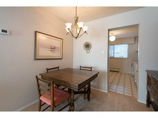 """Photo 5: 33 11551 KINGFISHER Drive in Richmond: Westwind Townhouse for sale in """"WEST CHELSEA/WESTWIND"""" : MLS®# V1044115"""