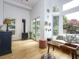 Photo 10: 2626 W 2ND Avenue in Vancouver: Kitsilano 1/2 Duplex for sale (Vancouver West)  : MLS®# R2377448
