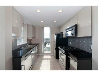 """Photo 5: # 4102 1408 STRATHMORE MEWS in Vancouver: False Creek North Condo for sale in """"west One"""" ()  : MLS®# V886987"""