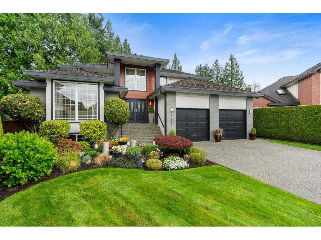 """Main Photo: 10486 SUMAC Place in Surrey: Fraser Heights House for sale in """"Glenwood Estates"""" (North Surrey)  : MLS®# R2579473"""