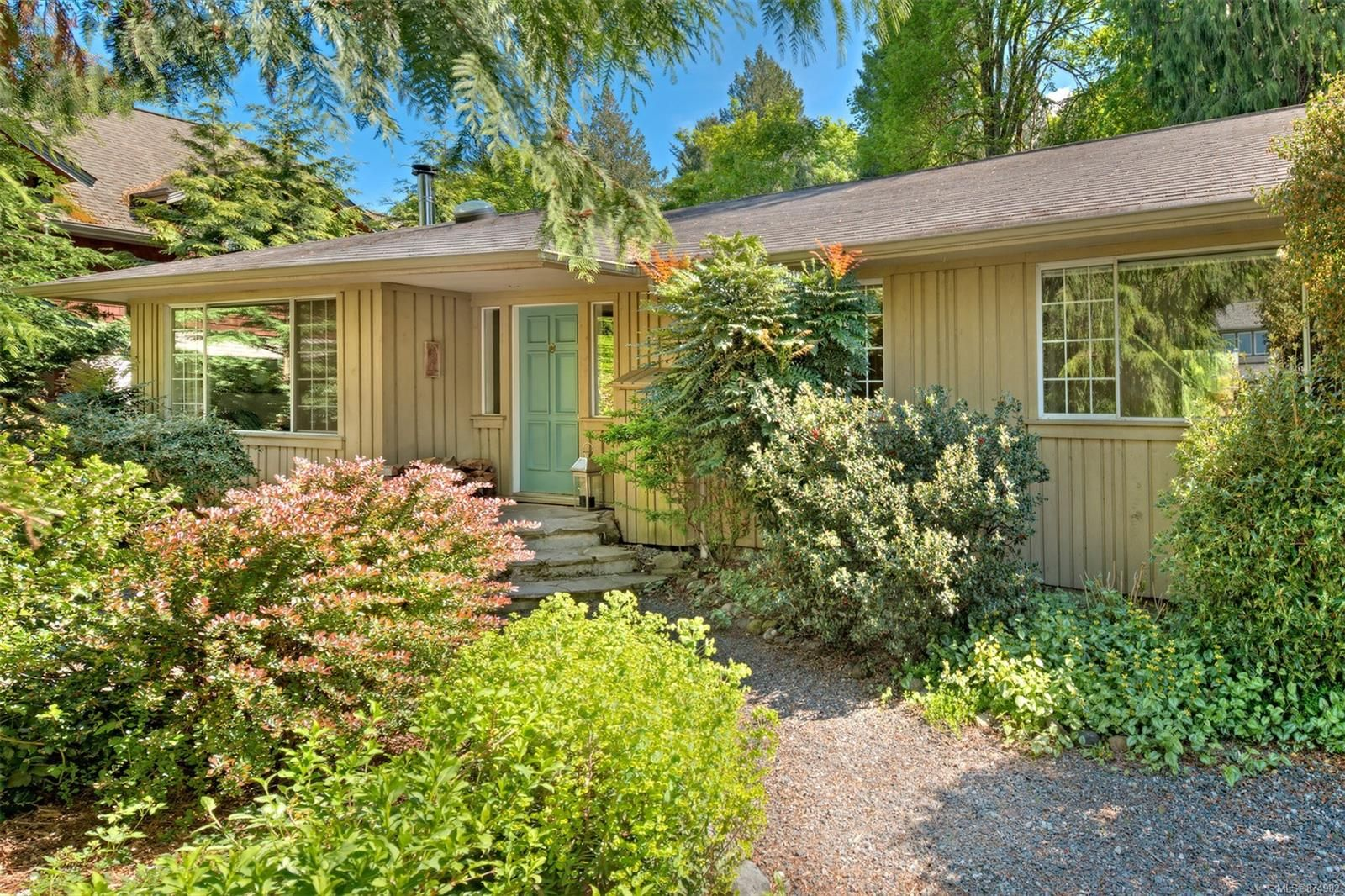 Main Photo: 118 Woodhall Pl in : GI Salt Spring House for sale (Gulf Islands)  : MLS®# 874982