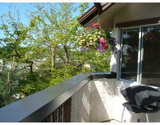 """Photo 9: 308 809 W 16TH Street in North_Vancouver: Hamilton Condo for sale in """"PANORAMA COURT"""" (North Vancouver)  : MLS®# V646950"""