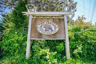 """Photo 4: 3 13630 84 Avenue in Surrey: Bear Creek Green Timbers Townhouse for sale in """"TRAILS AT BEAR CREEK"""" : MLS®# R2591753"""