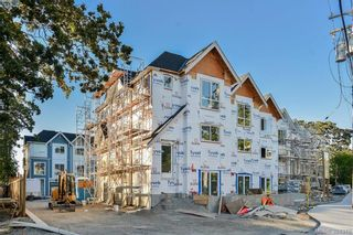 Photo 2: 4 1032 Cloverdale Ave in VICTORIA: SE Quadra Row/Townhouse for sale (Saanich East)  : MLS®# 790560