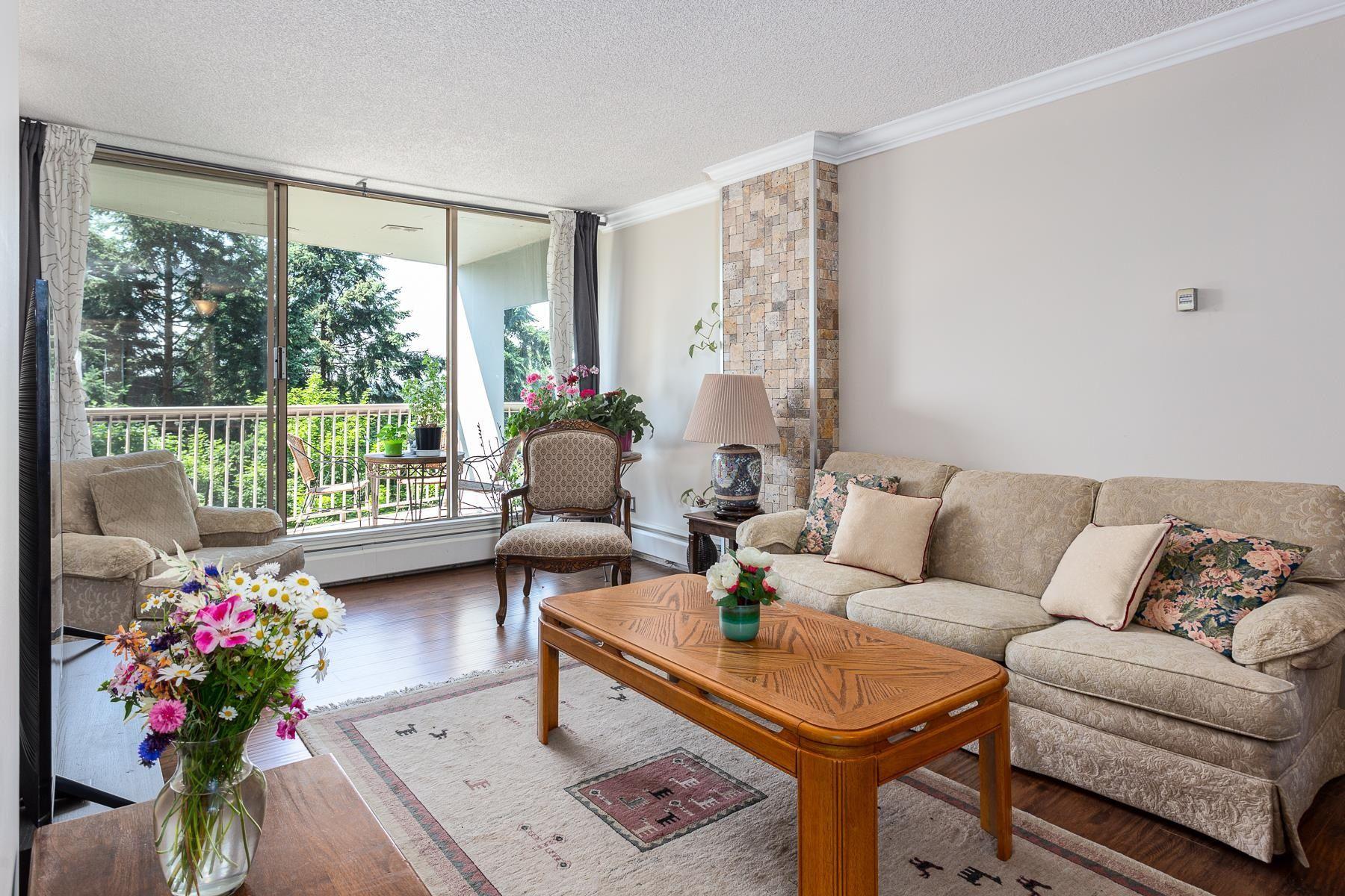 "Main Photo: 710 2024 FULLERTON Avenue in North Vancouver: Pemberton NV Condo for sale in ""WOODCROFT ESTATES"" : MLS®# R2621728"