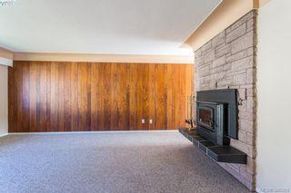 Photo 5: 1205 Parkdale Dr in VICTORIA: La Glen Lake House for sale (Langford)  : MLS®# 763951