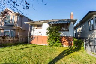 Photo 2: 5064 GLADSTONE Street in Vancouver: Victoria VE House for sale (Vancouver East)  : MLS®# R2186018