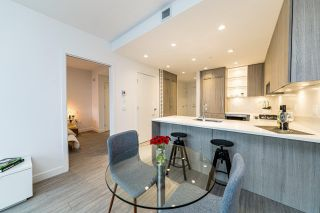 """Photo 6: 201 733 E 3RD Street in North Vancouver: Lower Lonsdale Condo for sale in """"Green on Queensbury"""" : MLS®# R2442684"""