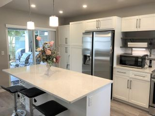 Photo 2: 6151 Bellflower Way in : Na North Nanaimo Row/Townhouse for sale (Nanaimo)  : MLS®# 857708
