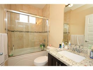 Photo 11: 318 BURNS Street in Coquitlam: Coquitlam West 1/2 Duplex for sale : MLS®# V1046054