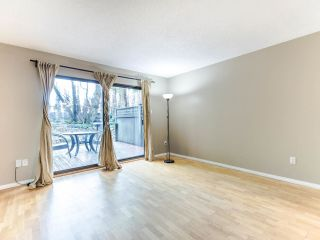 """Photo 6: 4368 GARDEN GROVE Drive in Burnaby: Greentree Village Townhouse for sale in """"GREENTREE VILLAGE"""" (Burnaby South)  : MLS®# R2439137"""