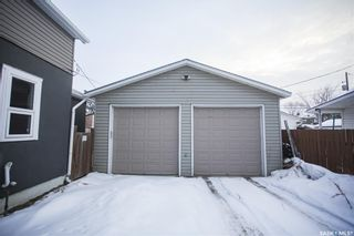 Photo 3: 620 J Avenue South in Saskatoon: King George Residential for sale : MLS®# SK841240