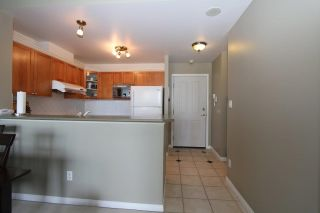 Photo 5: 1505 6837 STATION HILL DRIVE in Burnaby: South Slope Condo for sale (Burnaby South)  : MLS®# R2177642