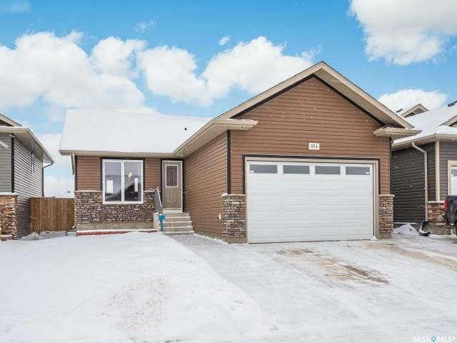 Main Photo: 854 Reimer Road in Martensville: Residential for sale : MLS®# SK801657