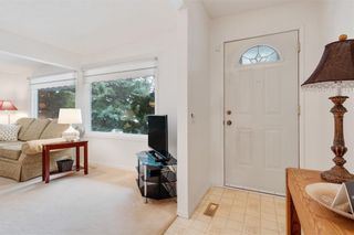 Photo 4: 36 HUNTERBURN Place NW in Calgary: Huntington Hills Detached for sale : MLS®# C4292694