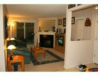 """Photo 2: 313 34909 OLD YALE Road in Abbotsford: Abbotsford East Townhouse for sale in """"The Gardens"""" : MLS®# F2923775"""