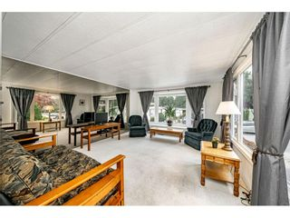 """Photo 6: 108 15875 20 Avenue in Surrey: King George Corridor Manufactured Home for sale in """"Sea Ridge Bays"""" (South Surrey White Rock)  : MLS®# R2512573"""
