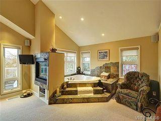 Photo 13: 922 W Garthland Place in VICTORIA: Es Kinsmen Park Residential for sale (Esquimalt)  : MLS®# 331905