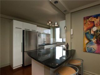 """Photo 4: 602 540 LONSDALE Avenue in North Vancouver: Lower Lonsdale Condo for sale in """"GROSVENOR"""" : MLS®# V864237"""