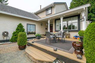"""Photo 5: 16043 10A Avenue in Surrey: King George Corridor House for sale in """"South Meridian"""" (South Surrey White Rock)  : MLS®# R2612889"""