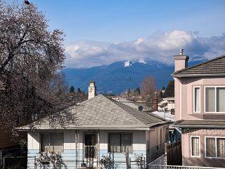 Photo 16: 3030 E 17th Av in Vancouver East: Renfrew Heights House for sale : MLS®# V1054398